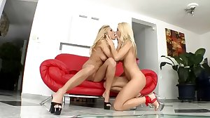Glamorous blonds make each other climax